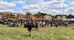 8 Fabulous Food Festivals In Illinois Where You Can Feast The Day Away