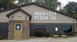 7 Restaurants In Illinois Where You Can Get Quad City-Style Pizza