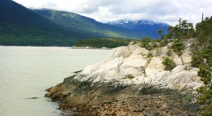 A Hike Along The Most Enchanting Seaside Trail In Alaska Is Heavenly