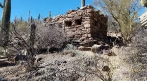 There's A Hike In Arizona That Leads You Straight To An Abandoned Copper Mine