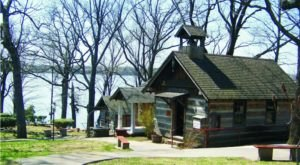 A Day Trip To This Lakeside Village In Oklahoma Will Take You Back In Time