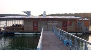 This Floating Restaurant In Oklahoma Has Summer Written All Over It