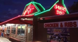 You Can Smell The Barbecue From A Mile Away At This Underrated Florida Restaurant