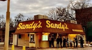 Everyone Goes Nuts For The Hamburgers At This Nostalgic Eatery In Austin