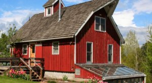 This Charming Red Barn Is The Most Unique B&B In Idaho And You'll Want To Spend The Night