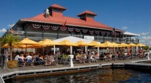 9 Lakeside Restaurants In Vermont You Simply Must Visit This Time Of Year