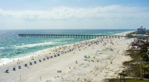 You'll Want To Avoid These 2 Florida Beaches Due To An Unpleasant Infestation