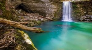 This 3-Mile Hike In Arkansas Leads To An Unbelievably Beautiful Waterfall