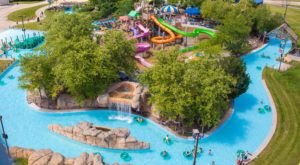 This Magical Water Park In Illinois Has The Most Epic Lazy River In The Midwest