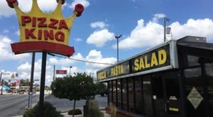 Hoosiers Have Loved This Irresistible Indiana Pizza Chain For More Than 60 Years
