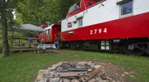 The Castaway Caboose Train Is Both A Train And A Hotel Suite On Wheels In West Virginia