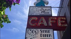 You'll Absolutely Love This 50s Themed Diner In Oregon