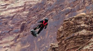 The Footage Of This Guy Flying Over The Desert In Utah Is Surreal