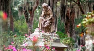 The Most Beautiful Cemetery In America Will Simply Enchant You
