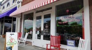 The Ice Cream Parlor In Alabama That's So Worth Waiting In Line For