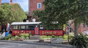 This Famous Maine Diner Is The Triple Threat Of Restaurants