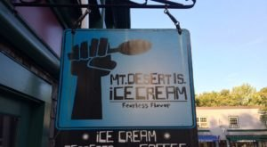 The Ice Cream Parlor In Maine That's So Worth Waiting In Line For