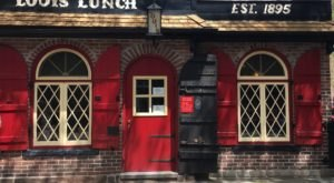 The Oldest Burger Restaurant In The U.S. Is Right Here In Connecticut And It's Delicious