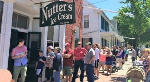 This Sugary-Sweet Ice Cream Shop In Maryland Serves Enormous Portions You'll Love
