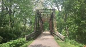 The Underrated River Trail In Ohio You'll Want To Hike Over And Over Again