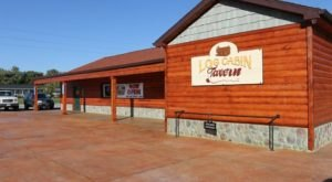 A Remote Cabin Restaurant In Ohio, Log Cabin Tavern Serves Up Some Of The Most Delicious Food