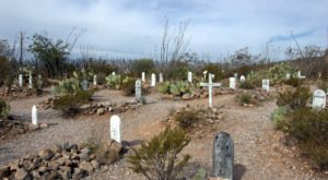 The Story Behind This Ghost Town Cemetery In Arizona Will Chill You To The Bone