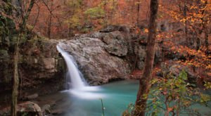 The Ultimate Bucket List For Anyone In Arkansas Who Loves Waterfall Hikes