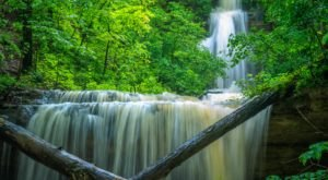 The Ultimate Bucket List For Anyone In Kentucky Who Loves Waterfall Hikes