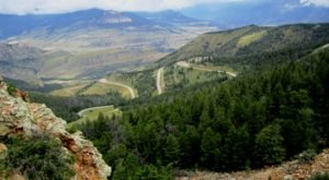 The Breathtaking Overlook In Wyoming That Lets You See For Miles And Miles