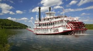 This Murder Mystery Cruise In Illinois Is The Experience Of A Lifetime