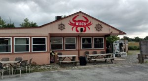 Don't Let The Outside Fool You, This Seafood Restaurant In Delaware Is A True Hidden Gem