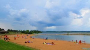 The Underrated Sandy Beach In Missouri You Absolutely Need To Visit