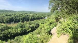 The Breathtaking Overlook In Missouri That Lets You See For Miles And Miles