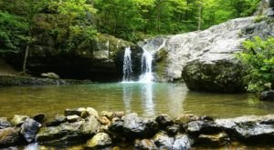 Your Kids Will Love This Easy 1-Mile Waterfall Hike Right Here In Arkansas