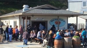Don't Let The Outside Fool You, This Seafood Restaurant In Northern California Is A True Hidden Gem
