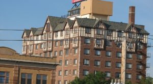 You Can Never Unsee The Horrors Of This Haunted South Dakota Hotel