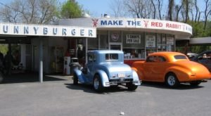 This Pennsylvania Drive-In Restaurant Is Fun For An Old Fashioned Night Out