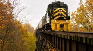 5 Ridiculously Charming Train Rides To Take Around Cincinnati This Fall