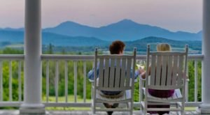 This Historic Mountain Lodge In New Hampshire May Be Your New Favorite Hideout