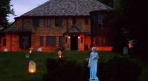 The Real Haunted House Near Pittsburgh You Won't Want To Visit Alone