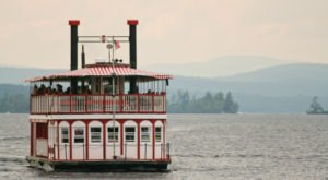 Spend A Perfect Day On This Old-Fashioned Paddle Boat Cruise In Maine