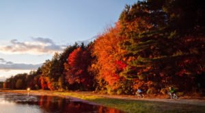 The Awesome Trail That Will Take You To The Most Spectacular Fall Foliage In Massachusetts
