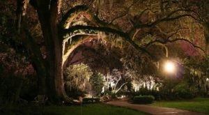 The Legend Behind This Haunted Plantation In Louisiana Will Chill You To The Core