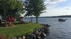 The Views Are Just As Good As The Ice Cream At This Lakeside Creamery In Maine