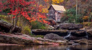 The Awesome Hike That Will Take You To The Most Spectacular Fall Foliage In West Virginia
