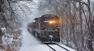Watch The Pennsylvania Countryside Whirl By On This Unforgettable Christmas Train