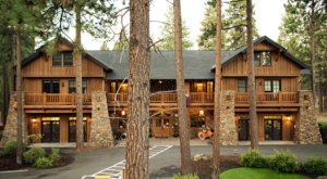 This Rustic Oregon Lodge Is The Perfect Spot For A Fall Getaway