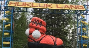 This Quirky Roadside Attraction In Alaska Is Totally Unique And Worth A Stop