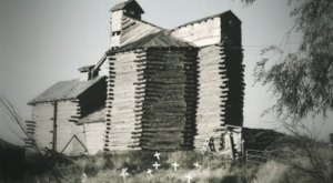 This Century-Old Mill In Idaho Is Now A Haunted House And It's Downright Terrifying