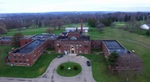 This Ghost Hunt In A Psychiatric Hospital Near Pittsburgh Isn't For The Faint Of Heart